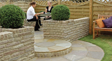 fairstone-pitch-faced-garden-walling_1_hz